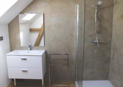 miroir et douche